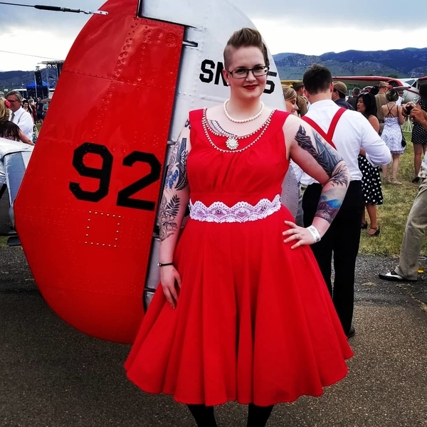 Lorraine, I made a 1940s dress with red linnen. Hand finished and embellished with white lace, rhinestones,...