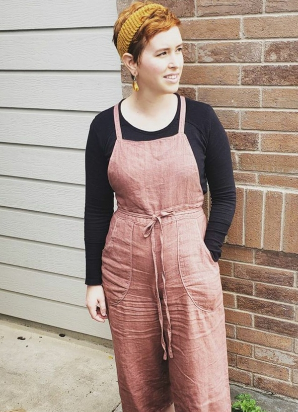 Robin, I made a pair of burnside bib overalls by sew house seven. I used a 100% mid weight linen that I han...