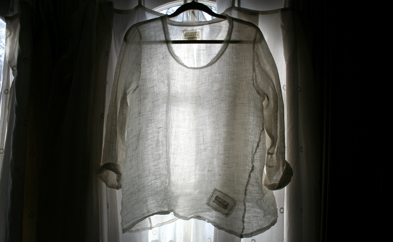 Beth, Linen Sara Shirt. Made with IL030 100% Linen Gauze Gorgeous Sheer layering piece with twisted side...