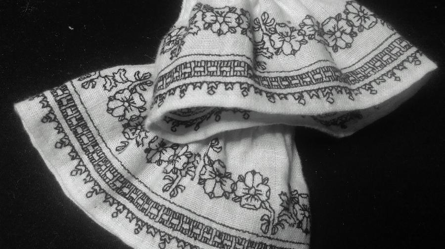 Jennifer, Hand-embroidered cuffs for an Anne Boleyn costume - a basketweave border & love-in-idleness flowers...