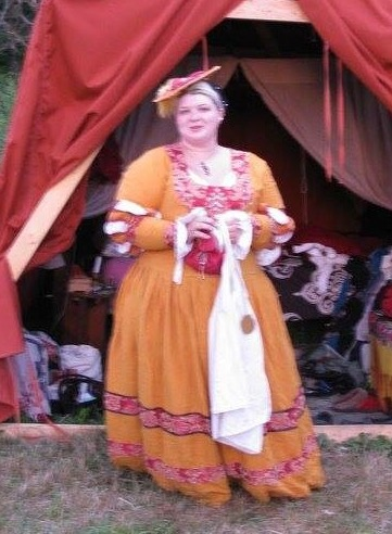 Elora, 14th century German womans gown.