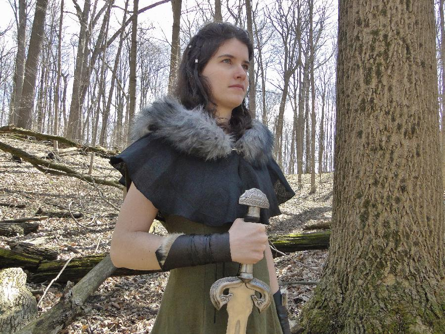 Amy, Medieval linen dress in Olive, and fur trimmed hood in black.  By Amy & Lisa Bradley folkofthewood.c...