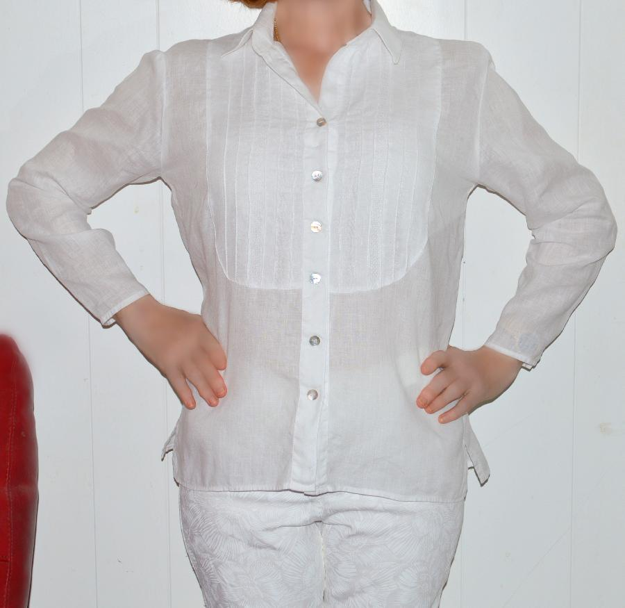 lesley, Tuxedo shirt made with optic white  handkerchief linen IL202 perfect for Hawaii.