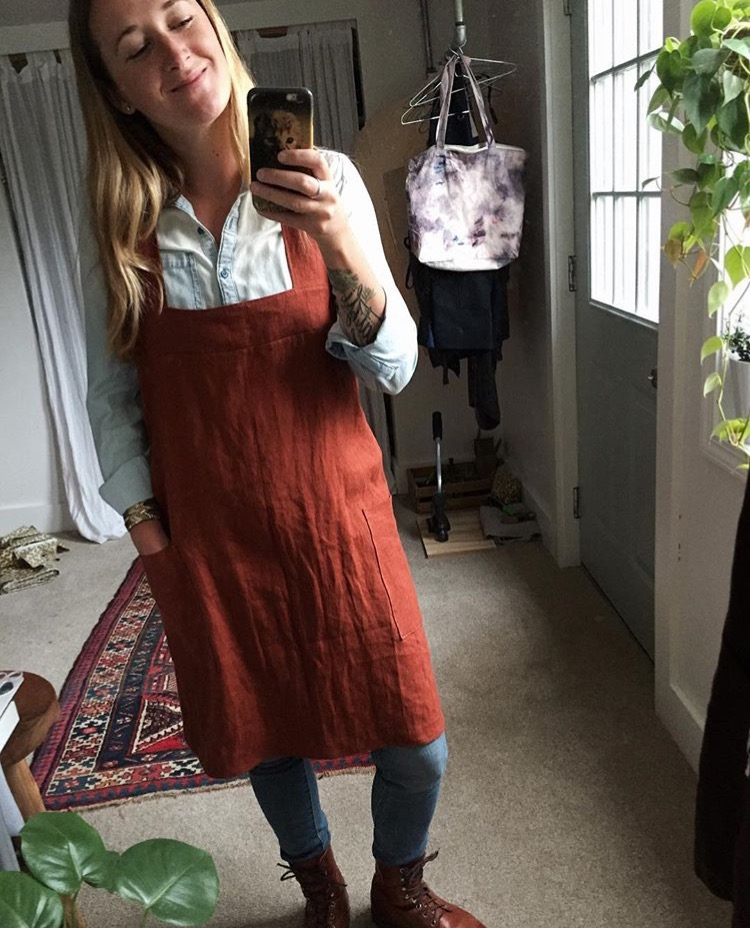 Erika, I made a linen smock apron in 4C22 kenya color. Its one of my favorite earthy tones, so warm and ri...