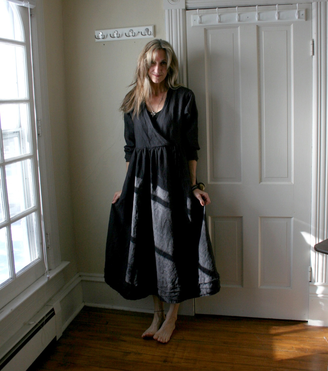 Beth, Linen Tuscan Dress done in IL019 Black