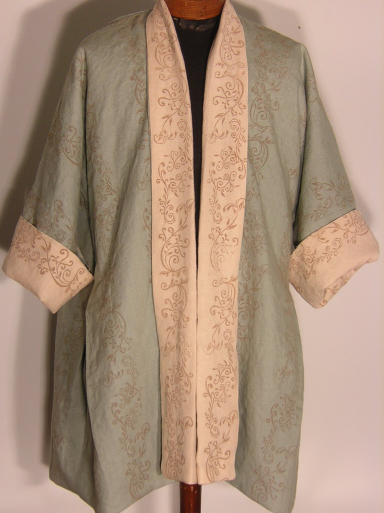 Laura, This is an 18th century garment called a French Bedgown.  This one was made from two different color...