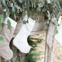 Linen Christmas stockings! So beautiful and fun to make.