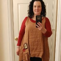 This top was a modified version of Tina Givens' Sugar Slip. I used Ginger IL019 linen and added...