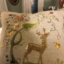 Love the rustic linen. This was a fun project . Hand embroidered.