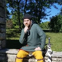 This is a project for reenactment, meant to accurately portray a mid-thirteenth century Italian...