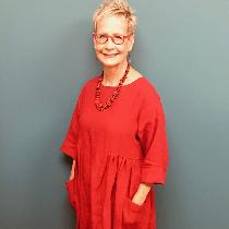 Tunic dress made from Simplicity 8856 out of a crimson red linen from fabrics-store.com of cours...