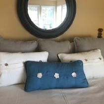 Pillows are made with a mixture of linen weights.  Duvet is backed with matching IL019 linen.
