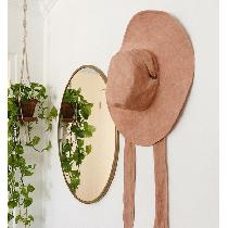 A personal project based on a safari hat with wide brim, tie straps and grommets. I used IL019 B...