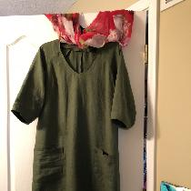 This dress was made using ILOI9 vineyard softened. I love this linen.