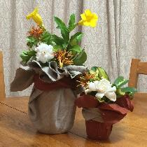 This are my no-sew center pieces with left over linen. Linen + Ball Jars + Garden flowers = Ever...