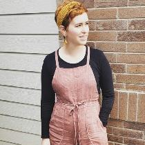 I made a pair of burnside bib overalls by sew house seven. I used a 100% mid weight linen that I...