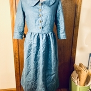 I modified Sew Liberated's Hinterland Dress to give it a fuller skirt and a Peter Pan collar giv...