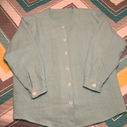 Women's button down blouse made with back yoke and cuff sleeves with packets in 4C22 MOONFLOWER,...