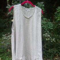 Tina Givens Jasmine tunic made with mid weight natural mix linen.  Love the ease of sewing with...