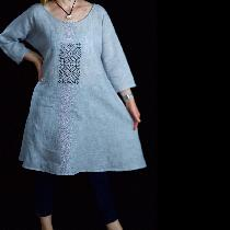 Linen tunic with Nordic star embroidery