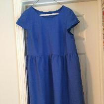 Easy fitting half cap sleeved summer dress. Made with my favorite medium weight linen in Marine.