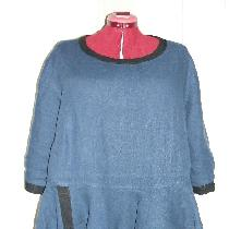 Oversized tunic in IL019 Cobalt with asymmetric peplum flounce. Looks very cute and flattering o...