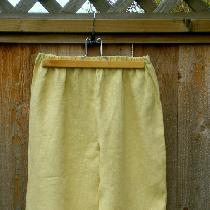 I used IL019 medium wt linen for these pantaloons. Gathered waist, tucks and cotton lace. Photo...