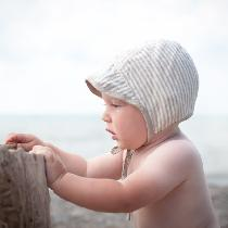 100% Linen.  Due to  linen proprieties, It is perfect for baby bonnets. It is breathable, soft a...