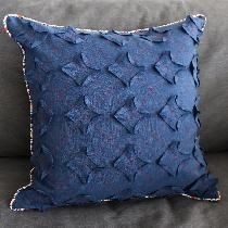 Pillow cover made with IL019 dark denim.