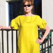 I just love this IL019 warm olive from fabrics-store. Easy dress with pockets for Florida heat,...