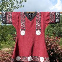 Ellie, Swordfighting tunic made with 4C22 Linen...