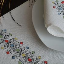 Ralita, I made this Table Runner - napkin - Plac...