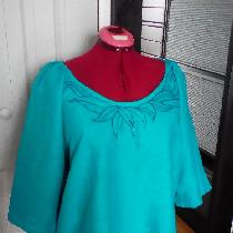 Blouse with applique in IL020 TILE BLUE